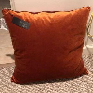 NEW- Sheffield Home zipper pillow